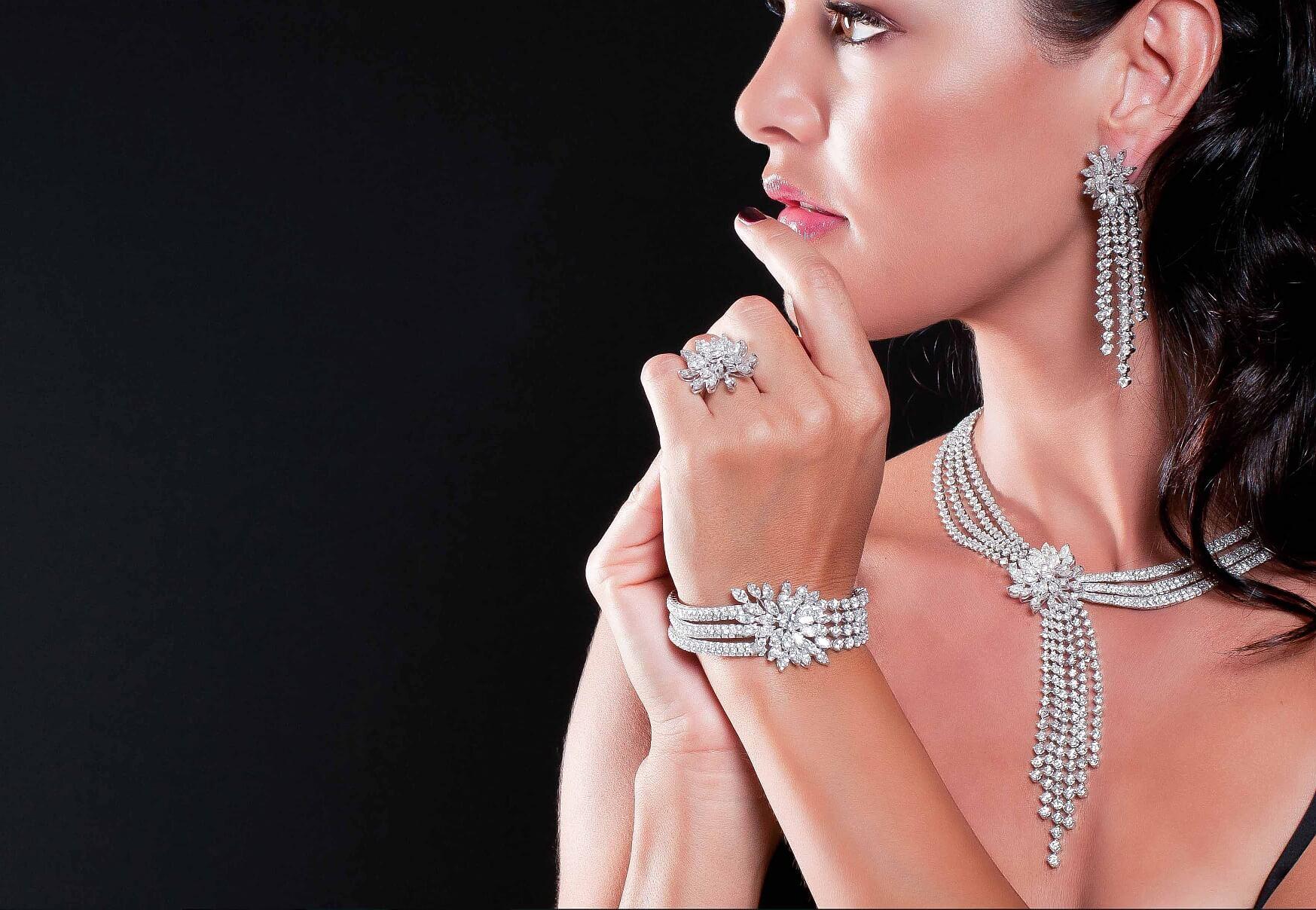 Sissy dominate wife hotwife slut necklace femdom lifestyle jewellery silver cd